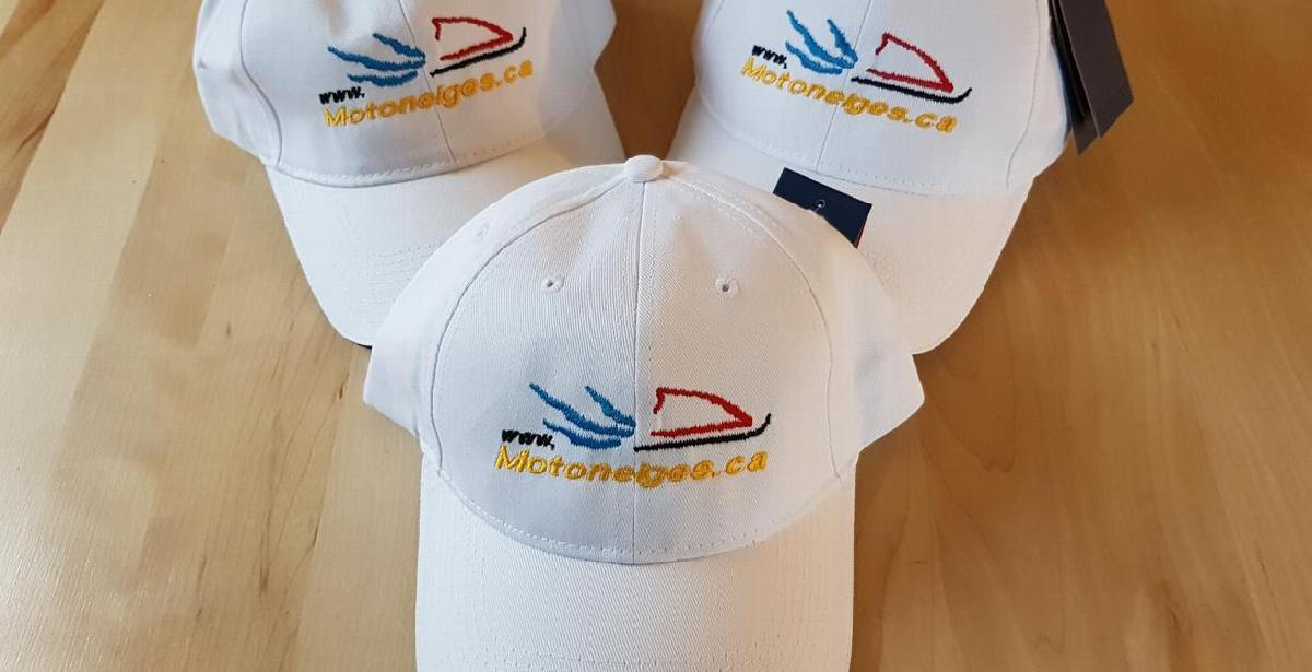Abonnez-vous à la Chaîne Youtube de Motoneiges.ca et courrez la chance de gagner une casquette
