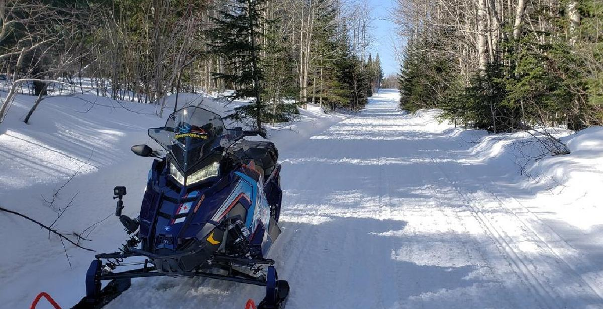 La saison de motoneige n'est pas tout à fait terminée dans l'est de la province