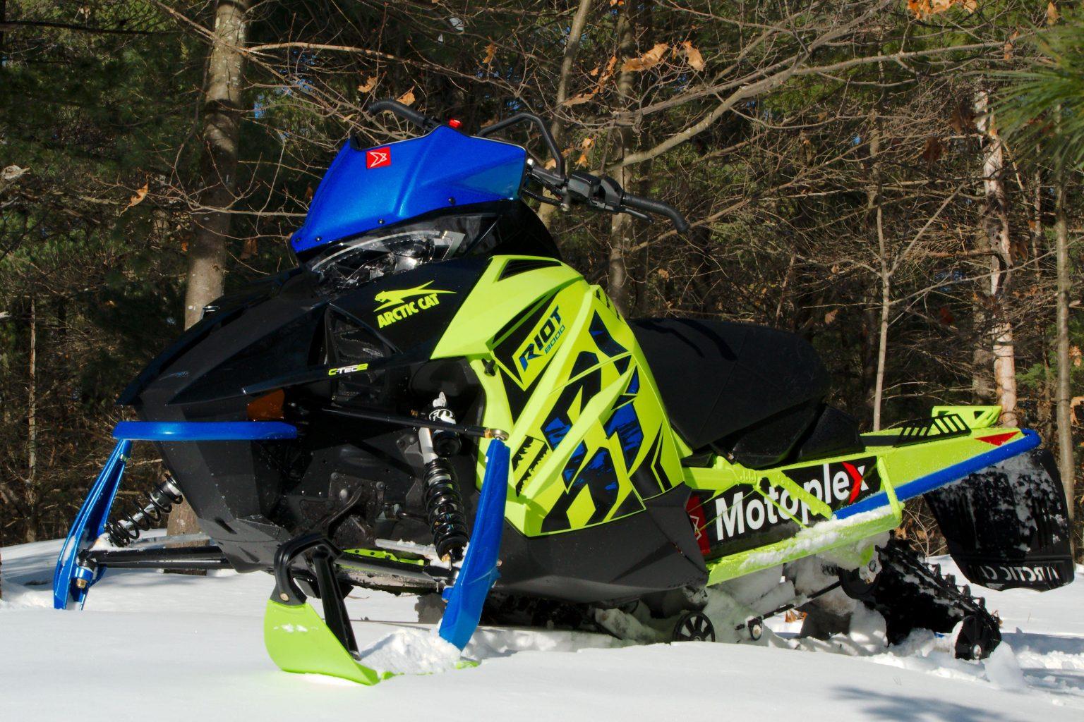 Arctic Cat a promis le meilleur « crossover » de l'industrie - Voici la motoneige RIOT 2020