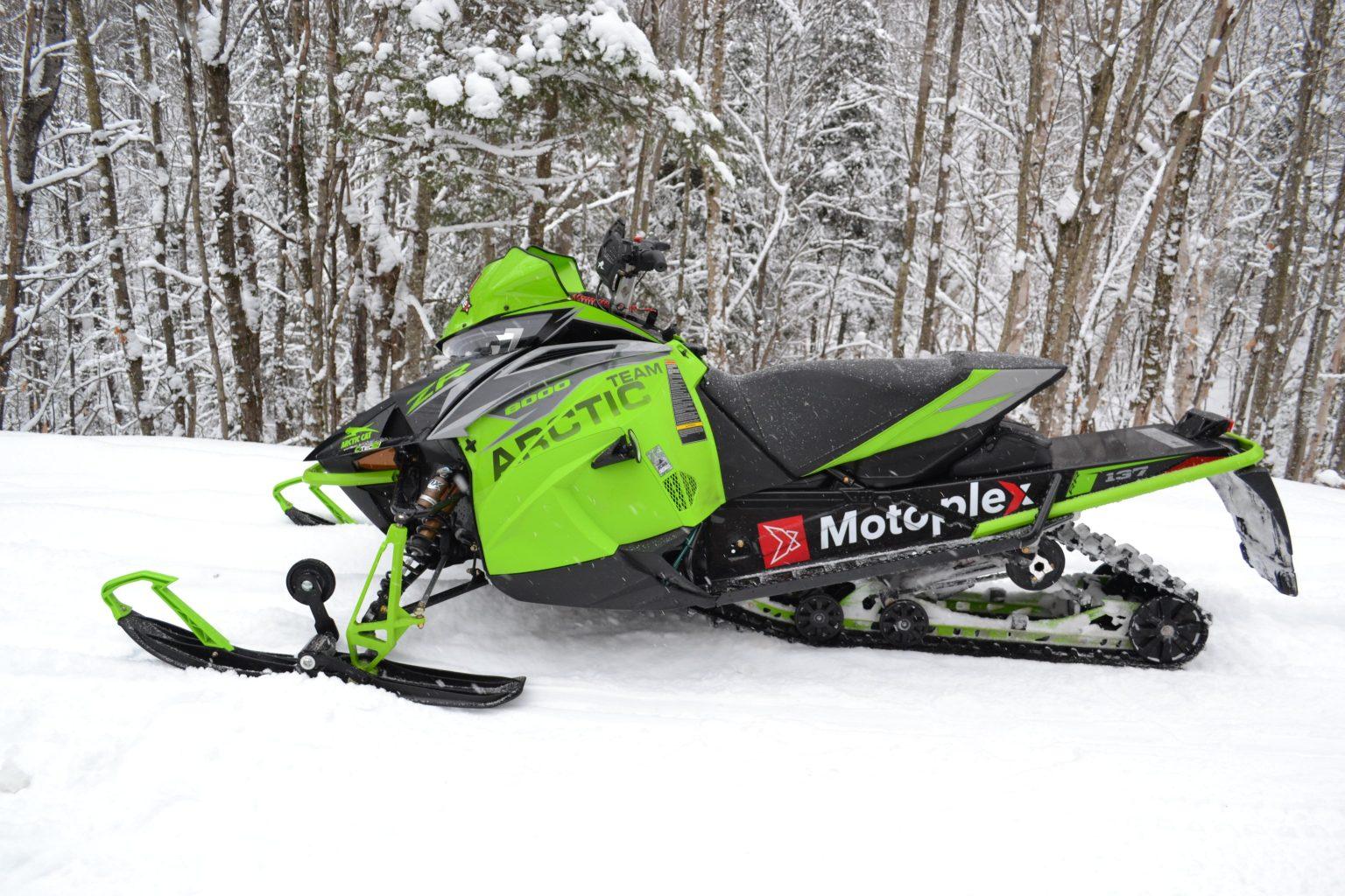 La ZR8000 RR 137 2019 - la motoneige par excellence pour les amateurs de sensations fortes