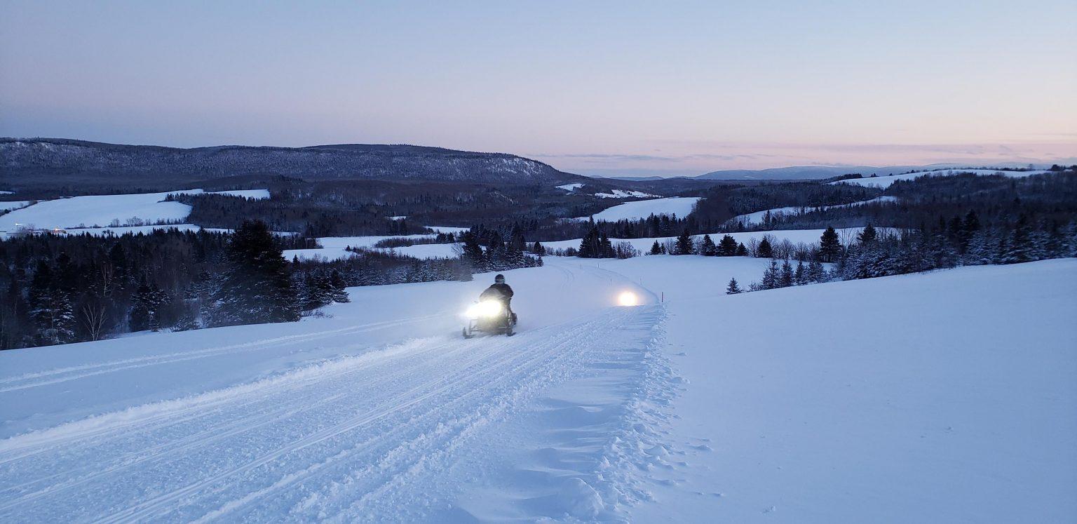 Limite de vitesse en motoneige à 70 km/h au Québec