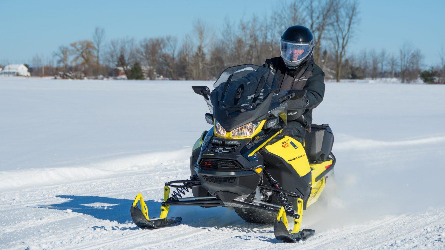 Ski-Doo Renegade X 900 ACE Turbo 2021 – Premières Impressions